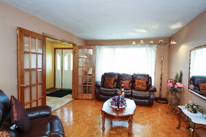 SPACIOUS BACKSPLIT IN EAST GALT - PERFECT MOVE UP HOME Cambridge Kitchener Area image 5