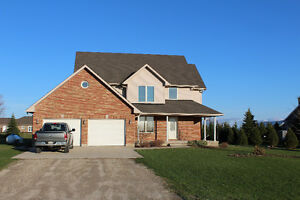 Country Home For Sale - 35 Minutes From Waterloo & Stratford