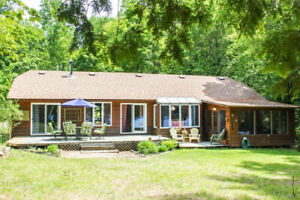 Bancroft Lakefront Cottage Available this Fall and Winter!