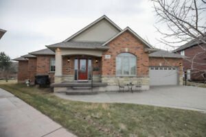 CUSTOM-BUILT, OVERSIZED BUNGALOW ON QUIET COURT IN GRIMSBY!