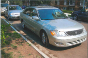 2000 Toyota Avalon XL Sedan