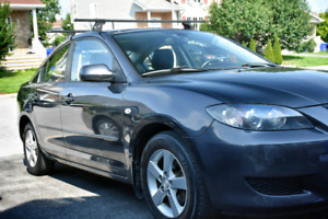 Low mileage Mazda 3 in excellent condition & many extras