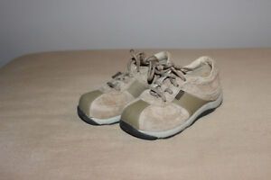 Stride Rite shoes, 8k