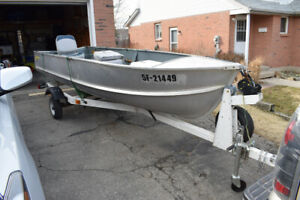 Calling all Fishermen!! 14 ft Peterborough aluminum fishing boat