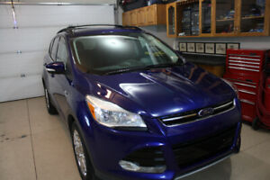 2013 Ford Escape SEL with low km's
