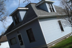 2 CHARACTER HOMES FOR SALE BUY 1 GET 1 HALF OFF NOW!