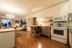 2br - 750ft2 -  Self-Contained Suite in Upper Lonsdale