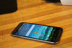 HTC One M8, Barely used with BELL