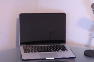 """Macbook Pro Retina 13"""" Early 2015 /16 GB / 256 SSD /Perfect for"""