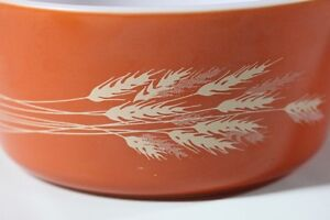 "Pyrex Casserole Pattern ""Autumn Harvest"" 1.5lt size vintage Kingston Kingston Area image 3"