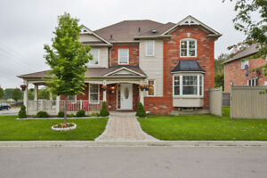 Beautiful House For Sale in Newmarket, ON