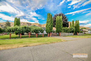 Immaculate Brock Home with Beautiful Landscaping