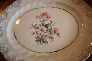 BEAUTIFUL SET OF DISHES--ENGLISH CHINA