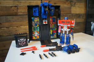 Transformers G2 Optimus Prime 99% Complete Working Electronics