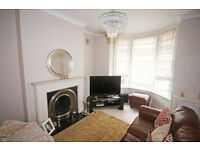 Modern and spacious 2 bedroom house in Bromley