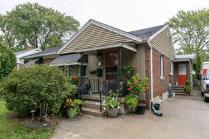 Just Listed! - 2814 Dominion Blvd, Windsor On - $289,900