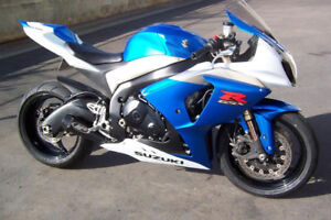 2009 Gsxr 1000 comes with another set of OEM plastics