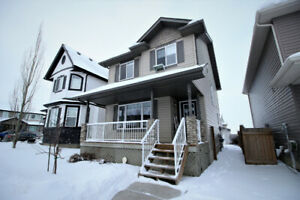 Spruce Grove updated home for rent! Close to Jubilee Park!