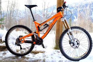 Intense Uzzi Mountain Bike like New Medium frame
