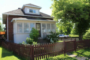 FOR SALE! 290 Beverley Street