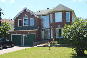 Beautiful Executive Home for Rent in Fallingbrook (Orleans)