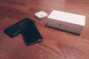 iPhone 6 16Gb for sale (Fido) with Apple leather case