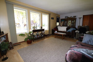 Check out this 1078sqft bungalow, complete w/ an attached garage Regina Regina Area image 5