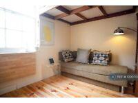 Studio flat in Cannon Place, Brighton, BN1 (#1000700)