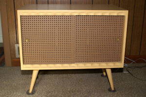Vintage Wood Record Cabinet (Mid-1950's)