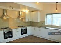 1 bedroom in South Lane, New Malden, KT3 (#981916)
