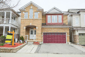 **HOT**4 bdr- Detached Home in Good Milton Area@@@