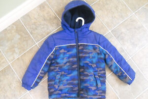 Boy's Winter Coat Size 4T George Brand London Ontario image 1