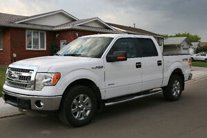 2014 Ford F-150 SuperCrew XLT LOW KMs