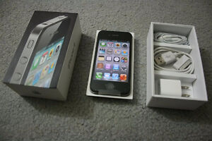 Apple iPhone 4 Rogers & Chatr 16GB Mobile Smartphone Black