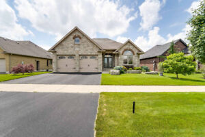 Custom-built bungalow in Waterford for Rent!
