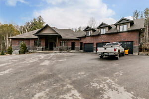 Executive Bungalow located in Piper Hill Estates for Sale! (13W)