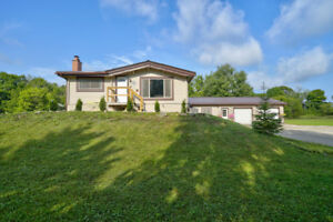 1,800 SQ.FT. BUNGALOW SITUATED ON 10+ ACRES, INNISFIL