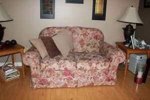 Couch and love seat Peterborough Peterborough Area image 4