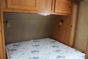 2013 CRUISER RV SHADOW CRUISER S280BQS London Ontario image 7