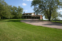 FOR SALE: Country Estate on 5.96 acres