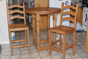 Pub Table / 2 chairs