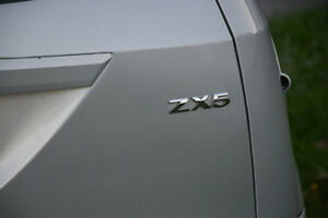 2005 Ford Focus ses zx5 Hatchback London Ontario image 7