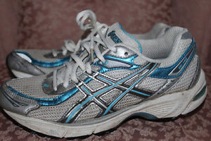 Asics Runners – Blue/Silver/White - Size 6