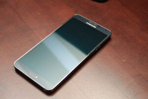 Unlocked Samsung Note 3 - 32GB (works with wind)