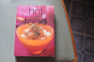 HOT FOOD Cook Book - like new London Ontario image 1