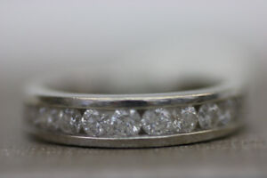 **BEAUTIFUL** 14k White Gold Diamond Wedding Band Sz 6 (#1943)