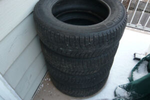 4 x Michelin X-Ice 215/60/16