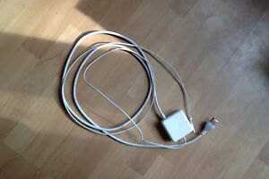 2015 Apple 60W MagSafe Power Adapter