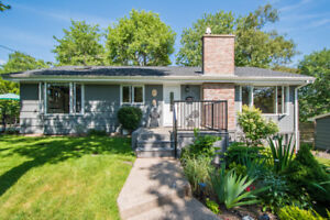 SHOWSTOPPER UPDATED HOME IN SOUGHT AFTER WEDGEWOOD!