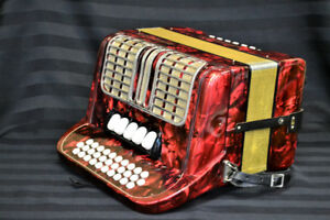 Hohner Corona III RS Accordion